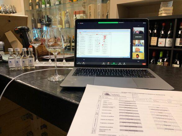 Dalla Sicilia viaggia online il corso per assaggiatori di grappe
