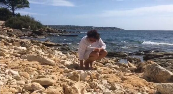 ARTE: da Monaco a Siracusa, Cristina Picciolini, rabdomante di volti e di sensi in riva al mare